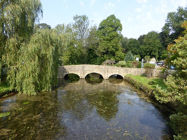 Cotswold Bridge in Bibury - cotswold tours from Bristol