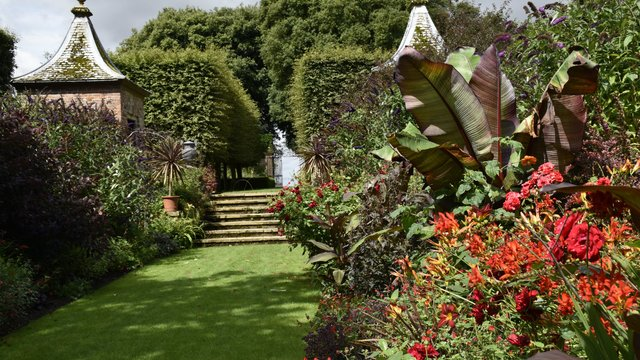 Hidecote Gardens - cotswold tours from Birmingham
