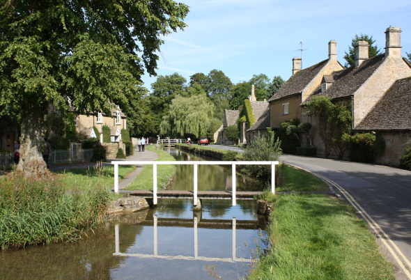 Lower Slaughter riverside - Cotswold Tour from Bristol